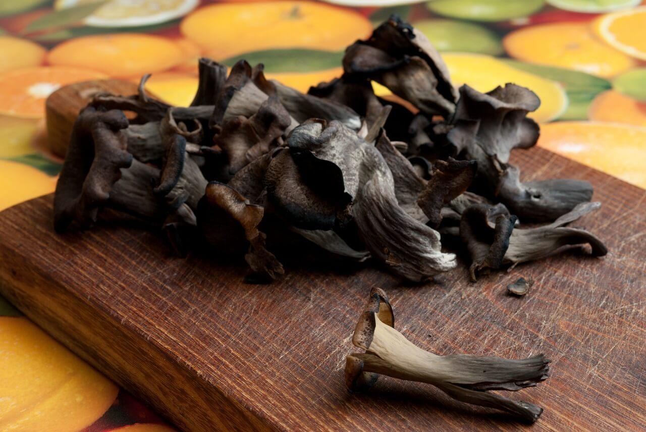 when has black trumpet mushroom gone bad